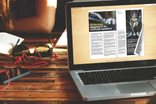 Flipbook HTML5 no laptop com um efeito de flip